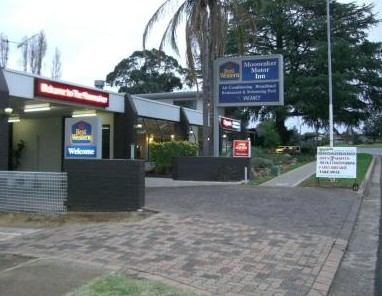 Best Western Moonraker Motor Inn Logo and Images