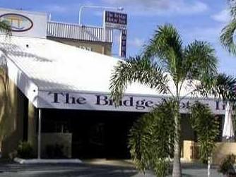 Bridge Motor Inn Logo and Images