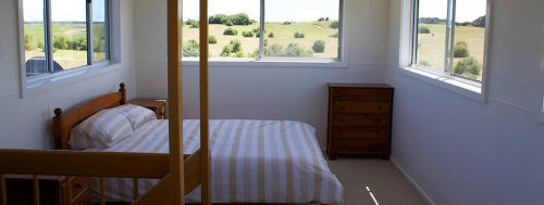King Island Golf and Surf Accommodation Logo and Images
