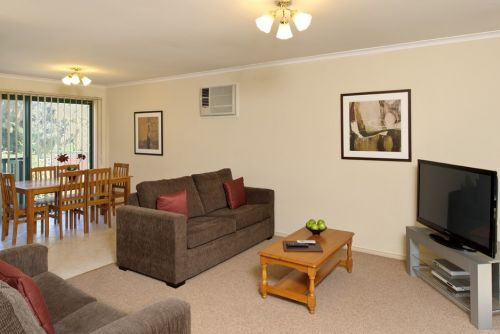 Apartments @ Mount Waverley Logo and Images