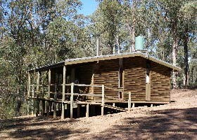 Parkvale Holiday Cabins Logo and Images