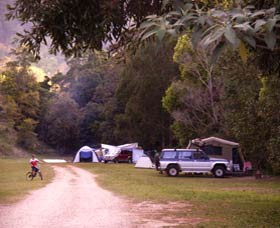 Mt Warning Holiday Park Logo and Images