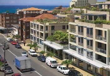 Adina Apartment Hotel Coogee Image