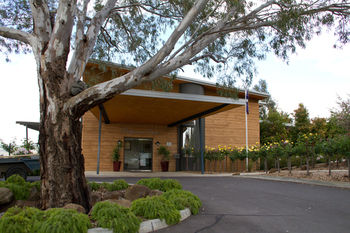 Balgownie Estate Vineyard & Spa Logo and Images