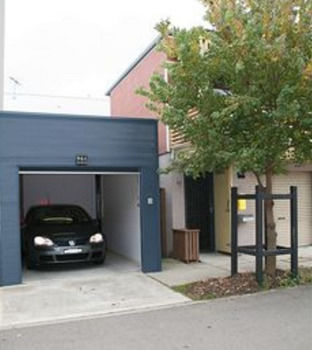 Harbourside Terraces Logo and Images