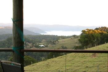Top Cottage @ Maleny Logo and Images
