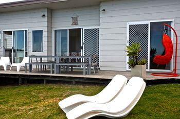 Culburra Beach House Logo and Images