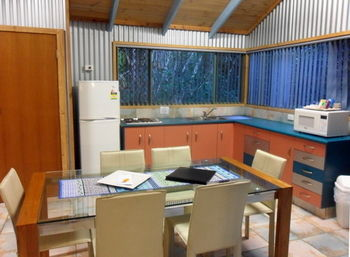 Treetops Accommodation Montville