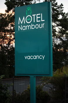 Motel in Nambour Logo and Images