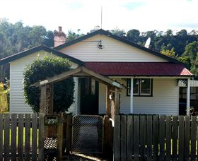 Brothers Town Cottage Image