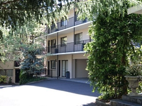 Grosvenor Court Apartments Image