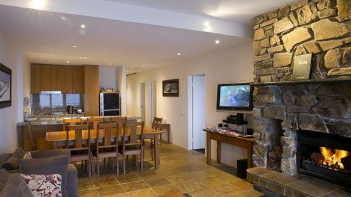 Alpine Woodsmoke Apartments Image