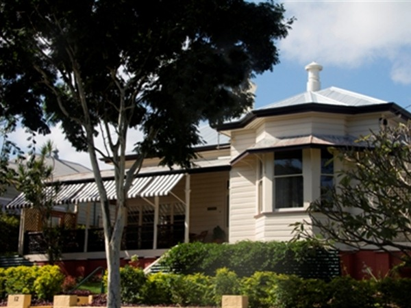 Brisbane Milton Bed and Breakfast Logo and Images