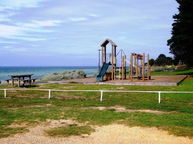 Bellarine Bayside Holiday Parks - Taylor Reserve Logo and Images