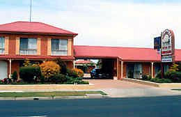 BEST WESTERN Colonial Motor Inn Bairnsdale Logo and Images