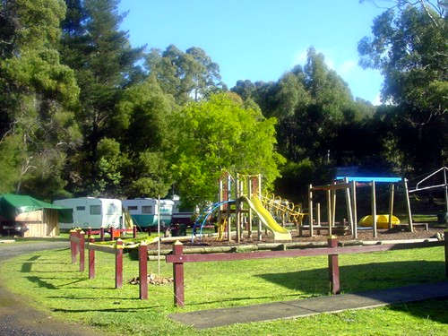 Blackwood Mineral Springs Caravan Park Logo and Images