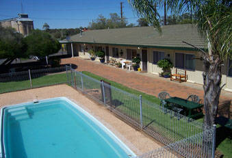 Gilgandra Lodge Motel Logo and Images