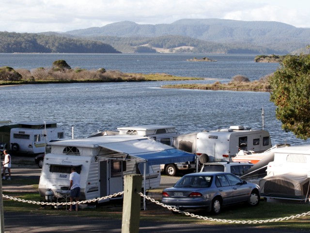 Mallacoota Foreshore Holiday Park Logo and Images