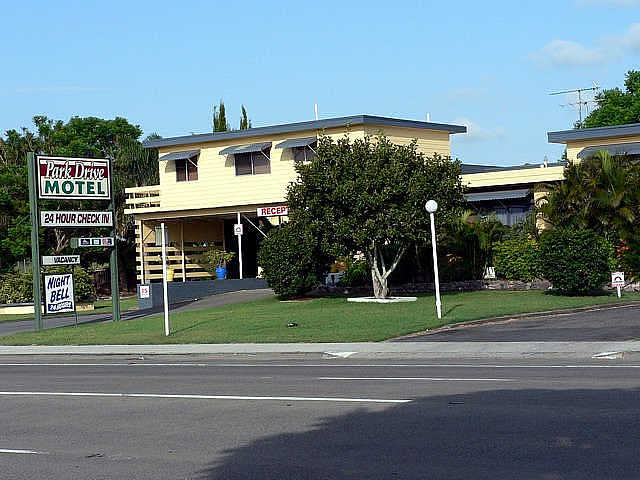 Park Drive Motel Logo and Images