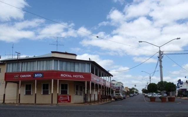 Royal Hotel Mundubbera Logo and Images