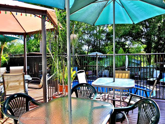 WOMBATS B&B - Apartments - AAA 3.5* rated, Gosford Logo and Images