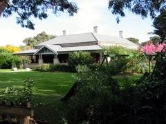 Yankalilla Bay Homestead B&B Logo and Images