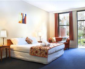 George Kerferd Hotel Image