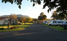 Murrurundi Caravan Park Logo and Images