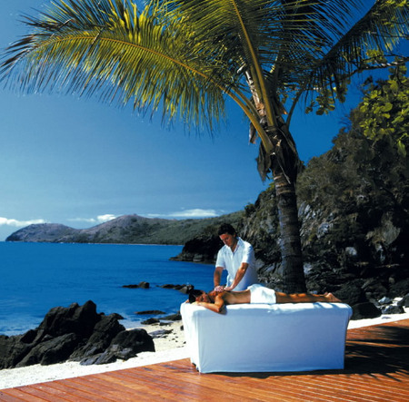 Daydream Island Resort and Spa Logo and Images