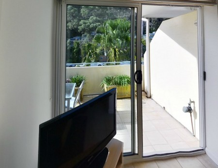 Iluka Serviced Apartments Logo and Images