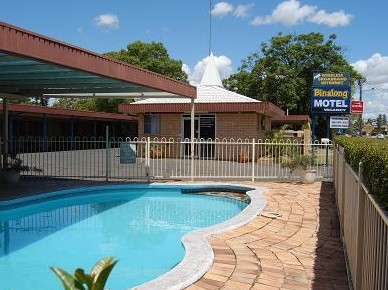 Binalong Motel Logo and Images
