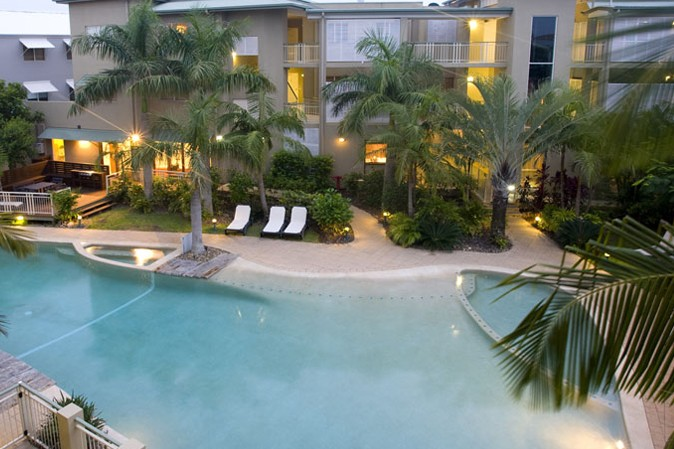 Colonial Resort Noosa Logo and Images