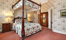 The Old George and Dragon Guesthouse - Logo and Images