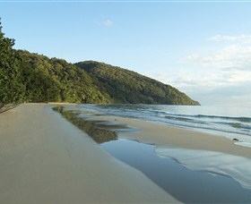 Cape Trib Beach House Retreat Logo and Images