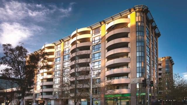 Medina Serviced Apartments Canberra James Court Logo and Images