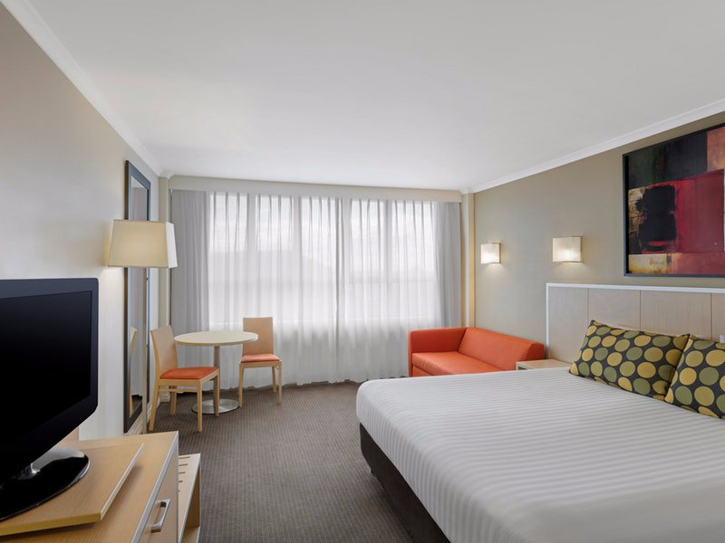 Travelodge Hotel Newcastle  Logo and Images