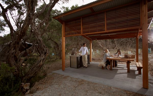 Wilderness Retreats at Wilsons Promontory National Park Logo and Images