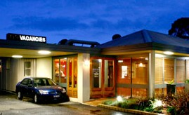 Best Western Lonsdale Motor Inn Logo and Images