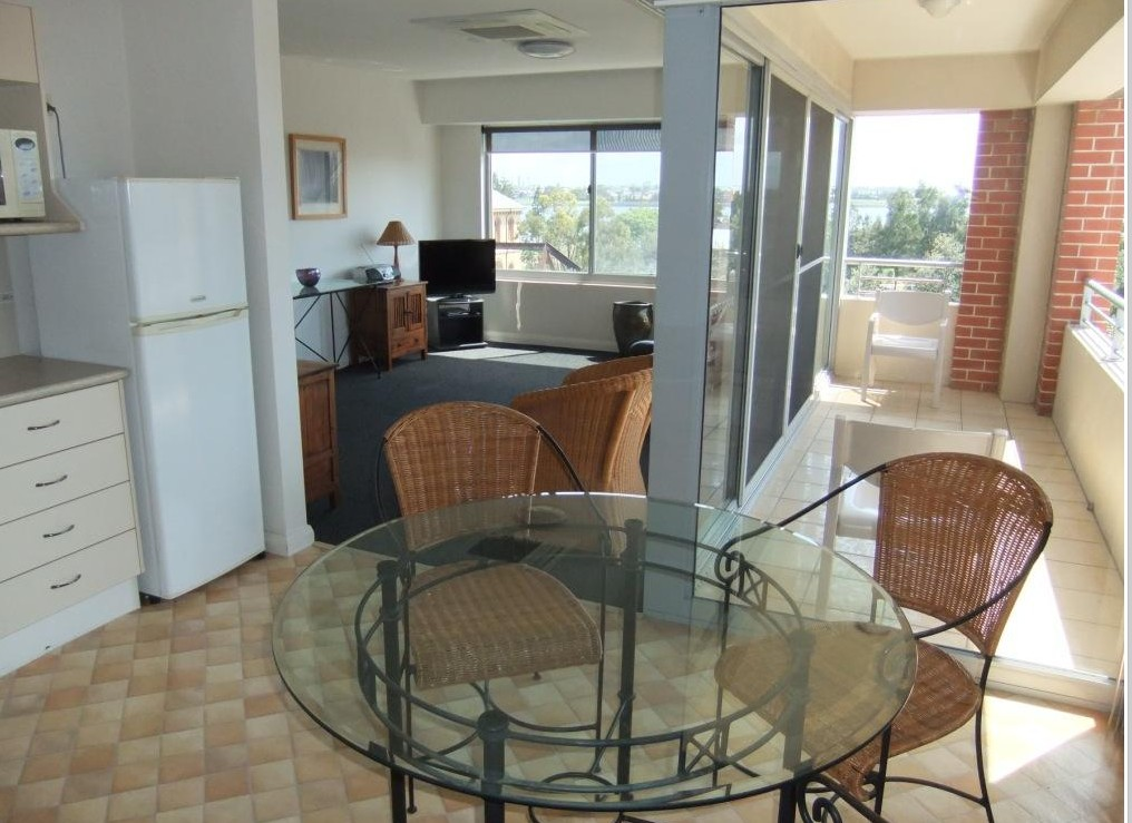 Newcastle Serviced Apartments Are Located In Pacific St Newcastle, In The  Heart Of The Cityu0027s Heritage Precinct And Across Parkland From Newcastle  Beach And ...