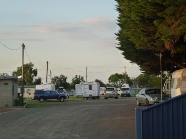 Central Caravan Park Colac Logo and Images