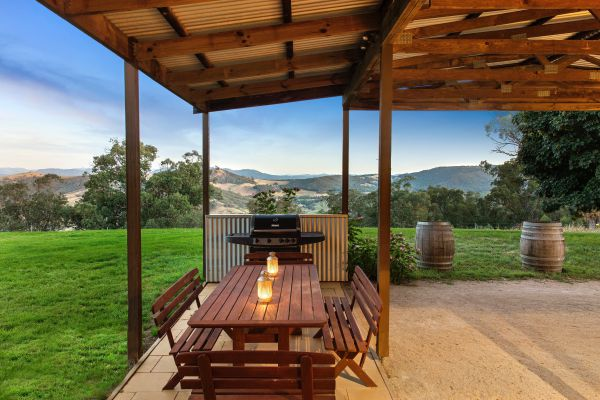 Mt Bellevue Lodge - King Valley Logo and Images