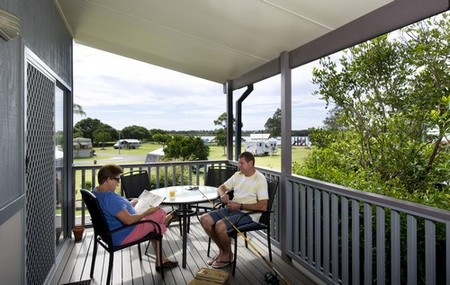 Urunga Heads Holiday Park Logo and Images