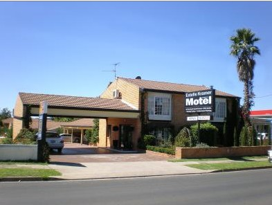 Estelle Kramer Motor Inn Logo and Images