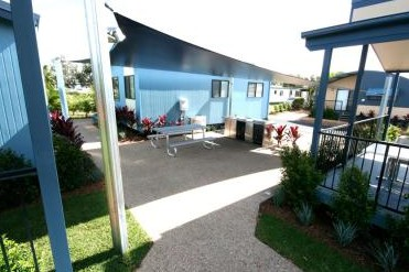 Ballina Lakeside Holiday Park Logo and Images