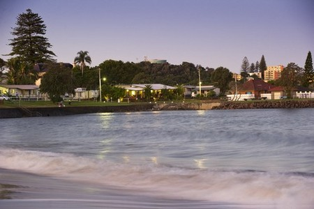 Shaws Bay Holiday Park Logo and Images