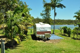 Wooli Caravan Park Logo and Images