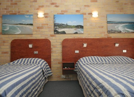 Yamba Beach Motel Logo and Images