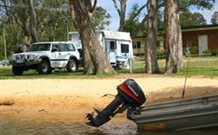 Willow Bend Caravan Park Logo and Images