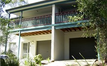 Blackbutt Family Loft Townhouse 100 Logo and Images