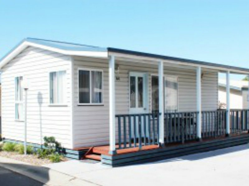 Redhead Beach Holiday Park Logo and Images